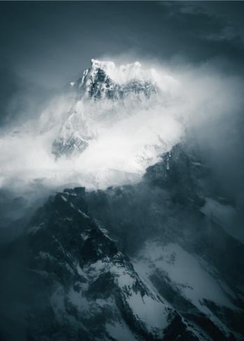 fotoplakat af bjerget patagonia med skyer og sne