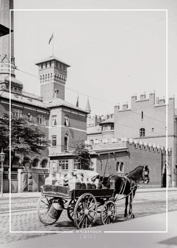 Plakat med gammelt billede af Mælkevogn trukket af hest
