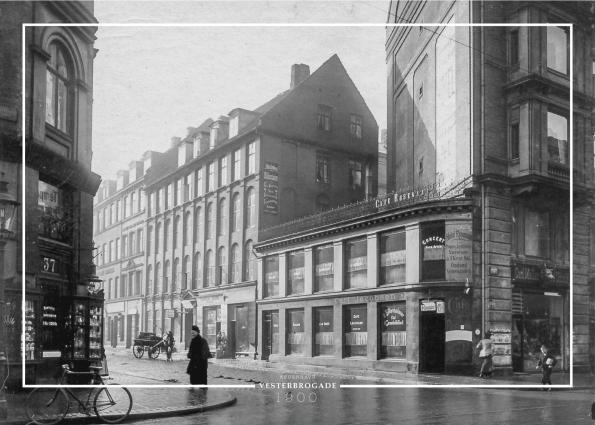 Plakat med gammelt billede af Vesterbrogade ved tørnet af Viktoriagade