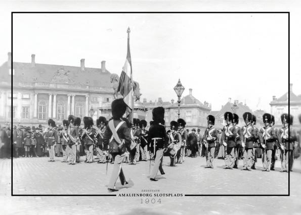 Plakat med billede af Gardehusarregimentet på amalienborg