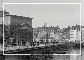 Plakat med gammelt billede af Christiansborgs slotsplads